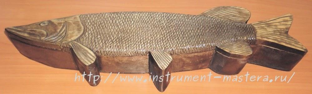 Самодельная деревянная шкатулка -рыбка