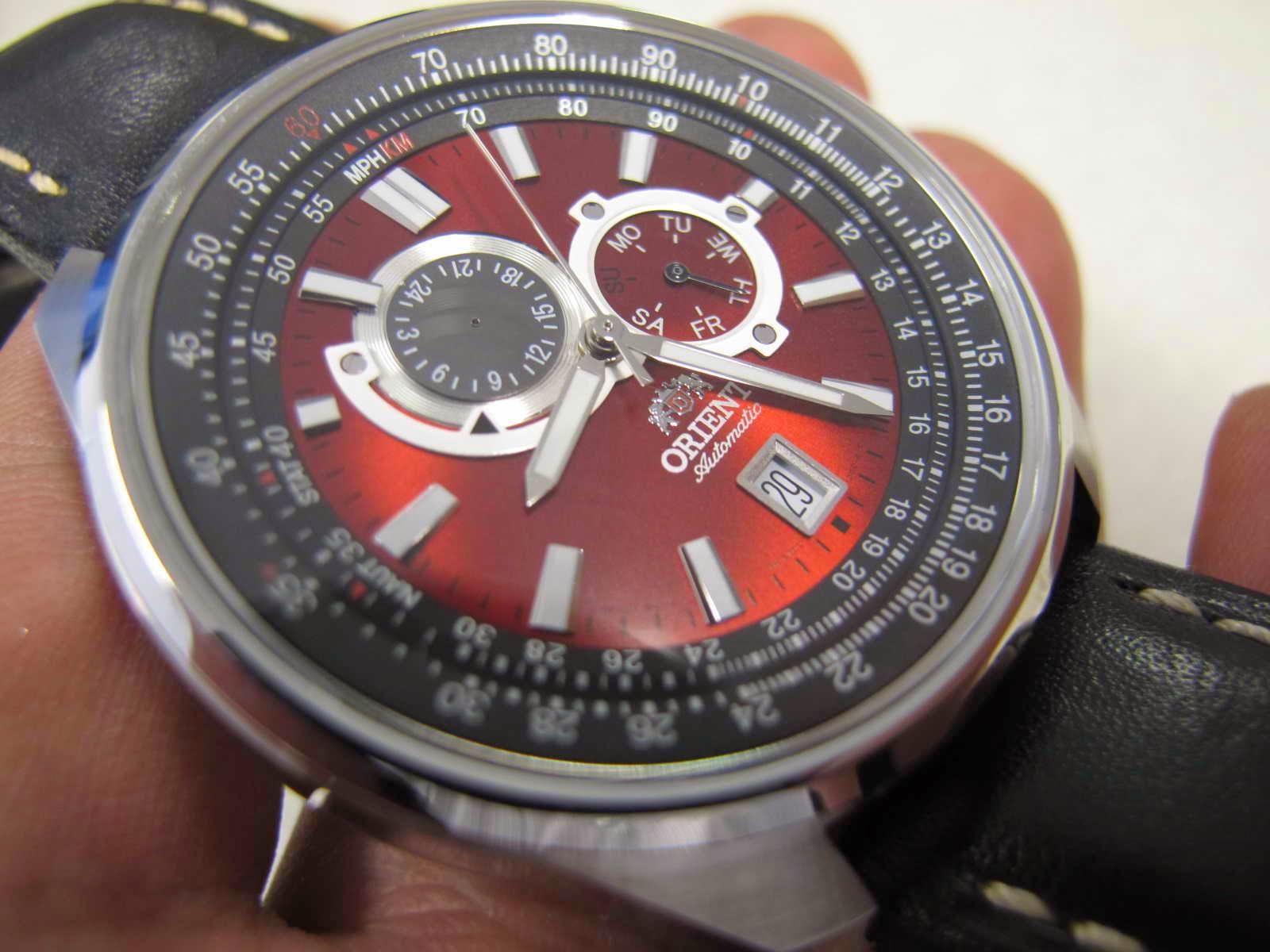 Cocok untuk Anda yang sedang mencari jam tangan Sporty dial merah Orient ini dipasangkan dengan original PAM Panerai Leather strap yang harga strapnya
