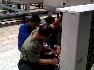 Service<a href=' http://serviceac-surabaya.com/ '> ac </a>floor standing murah