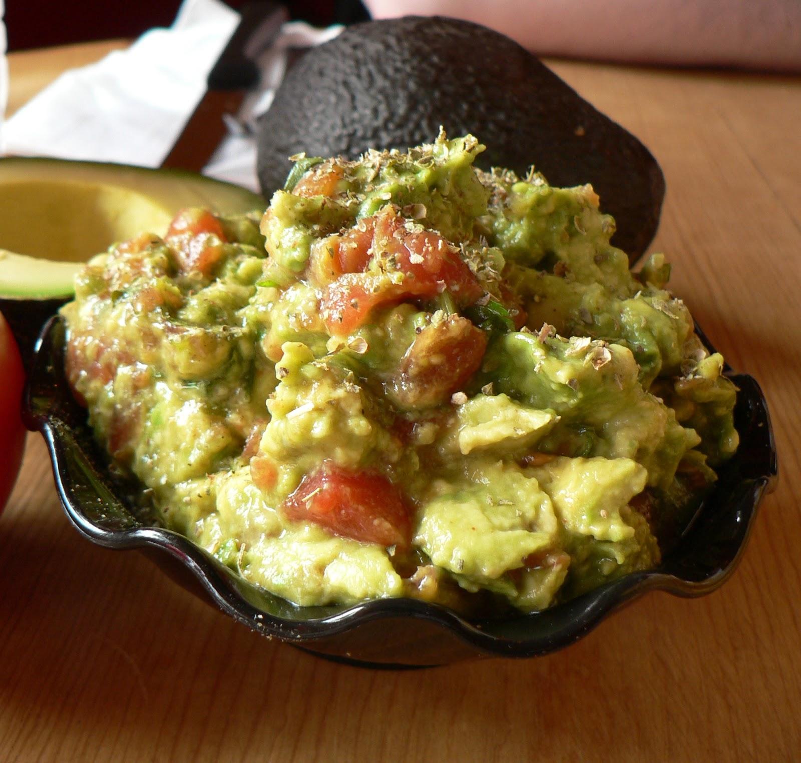 Creamy Guacamole | Raw Edibles