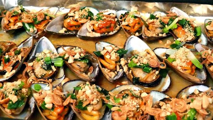 Recipe: Chem chép nướng mỡ hành – Vietnamese grilled mussels