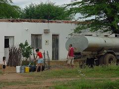 Água do carro-pipa