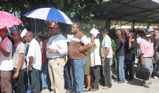 Una hora antes del cierre, más de 127 mil no habían adquirido marbetes