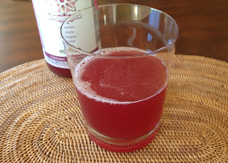 Kombucha tea with unsweetened cranberry