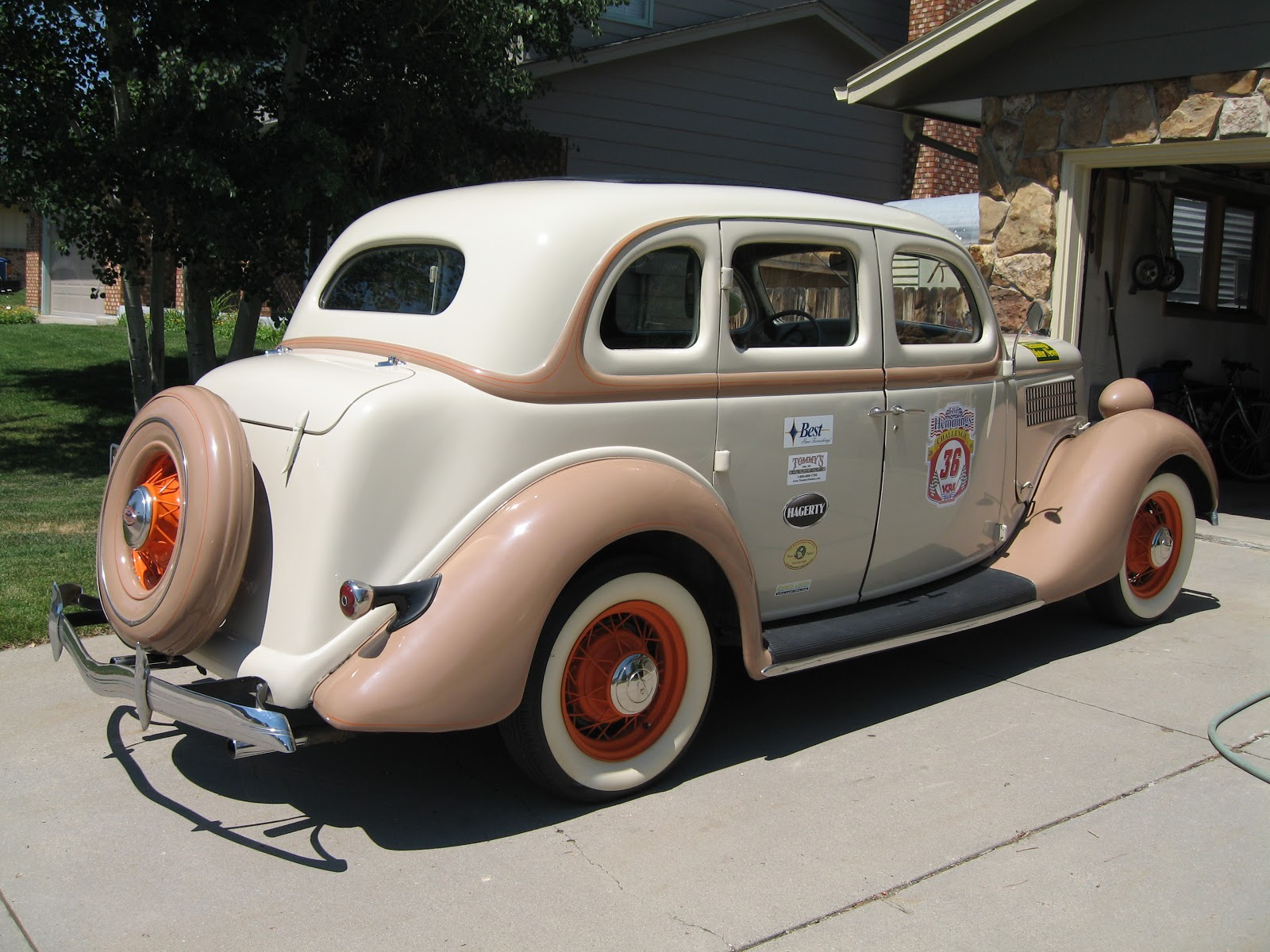 Dixie garage home of dixie racing nice 1935 ford deluxe for Garage ford nice