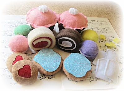 image felt play food desserts swiss rolls cucpakes macarons iced biscuits frosting jam cookies teabags
