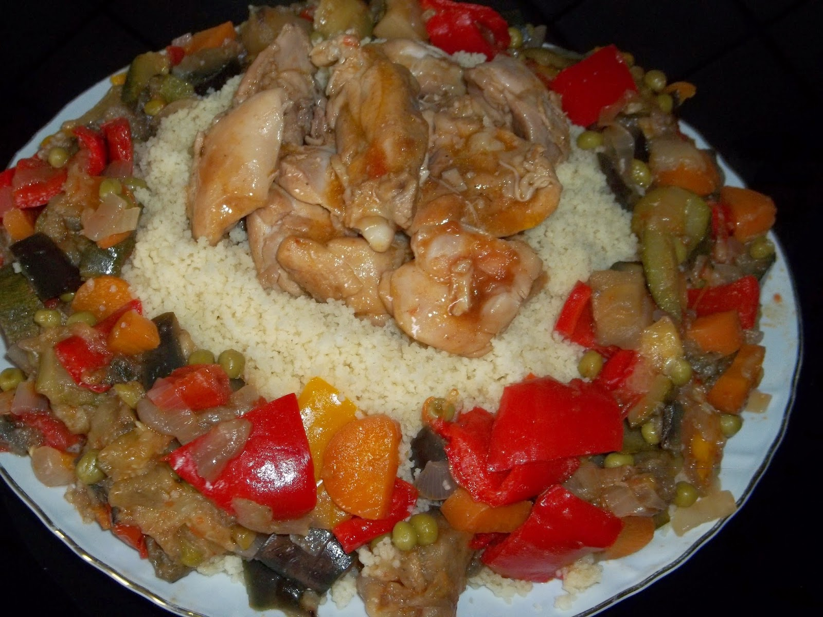 .. ho messo un po' di tempo per provarlo .. ma mi e piaciuto moltissimo .. cous cous di verdure e pollo al curry un po' a modo mio ...