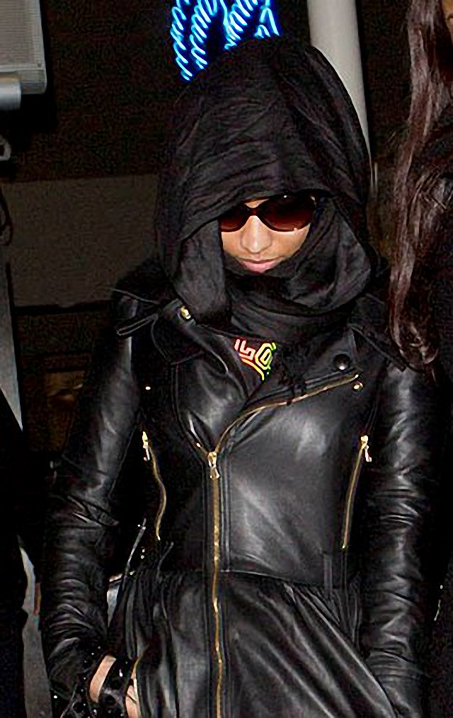 Nicky Minaj con una pañoleta