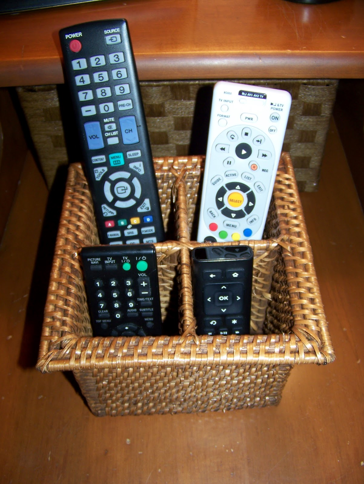 Making Cooley Stuff: Remote Control Basket out of Silverware Caddy