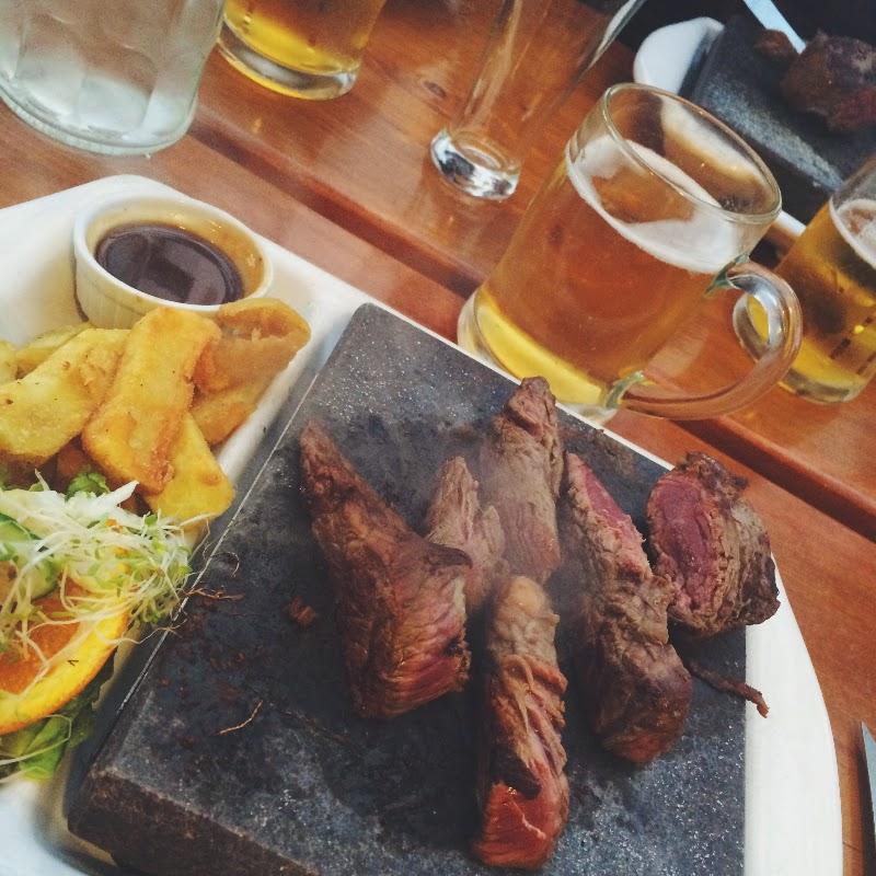 Paddleboarding, beach bonfire and fresh steaks ♡ Westport, New Zealand
