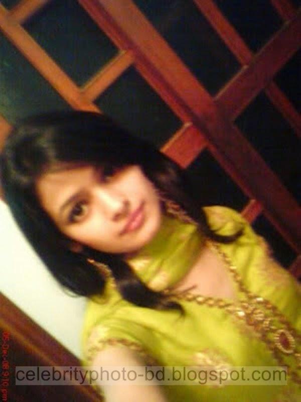 Pakistani+Cute+Girl+Maria+Photos+Album001