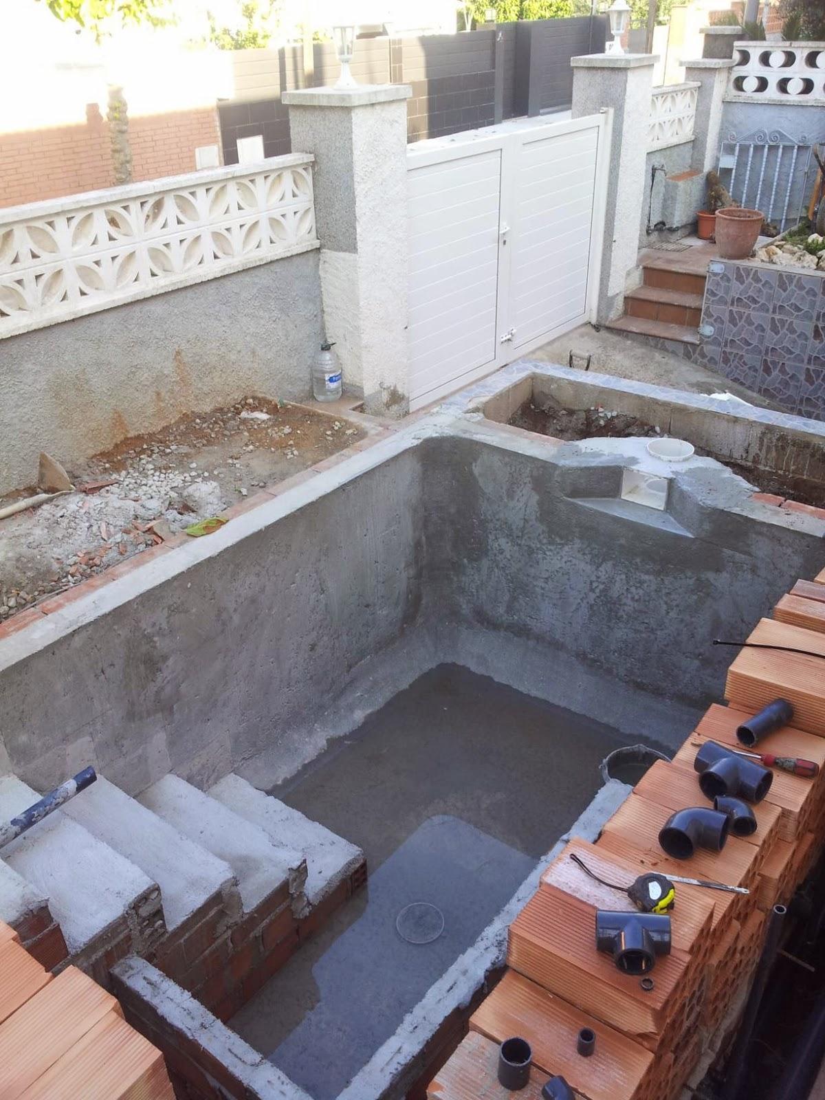 Construcci n reparacion y mantenimientos de piscinas for Como se construye una piscina de concreto
