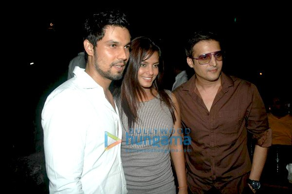 Saheb Biwi Aur Gangster Bash1 - Saheb Biwi Aur Gangster Success Bash