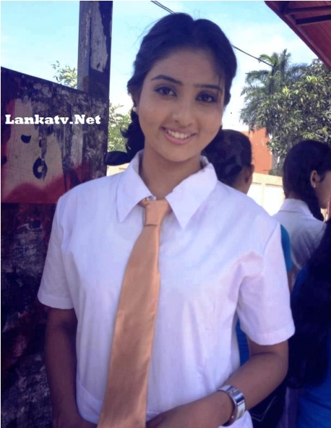 Miss SriLanka Vinu Udani School Uniform