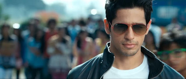 Screen Shot Of Hindi Movie Student of the Year (2012) Download And Watch Online Free at downloadfreefullmovie.net