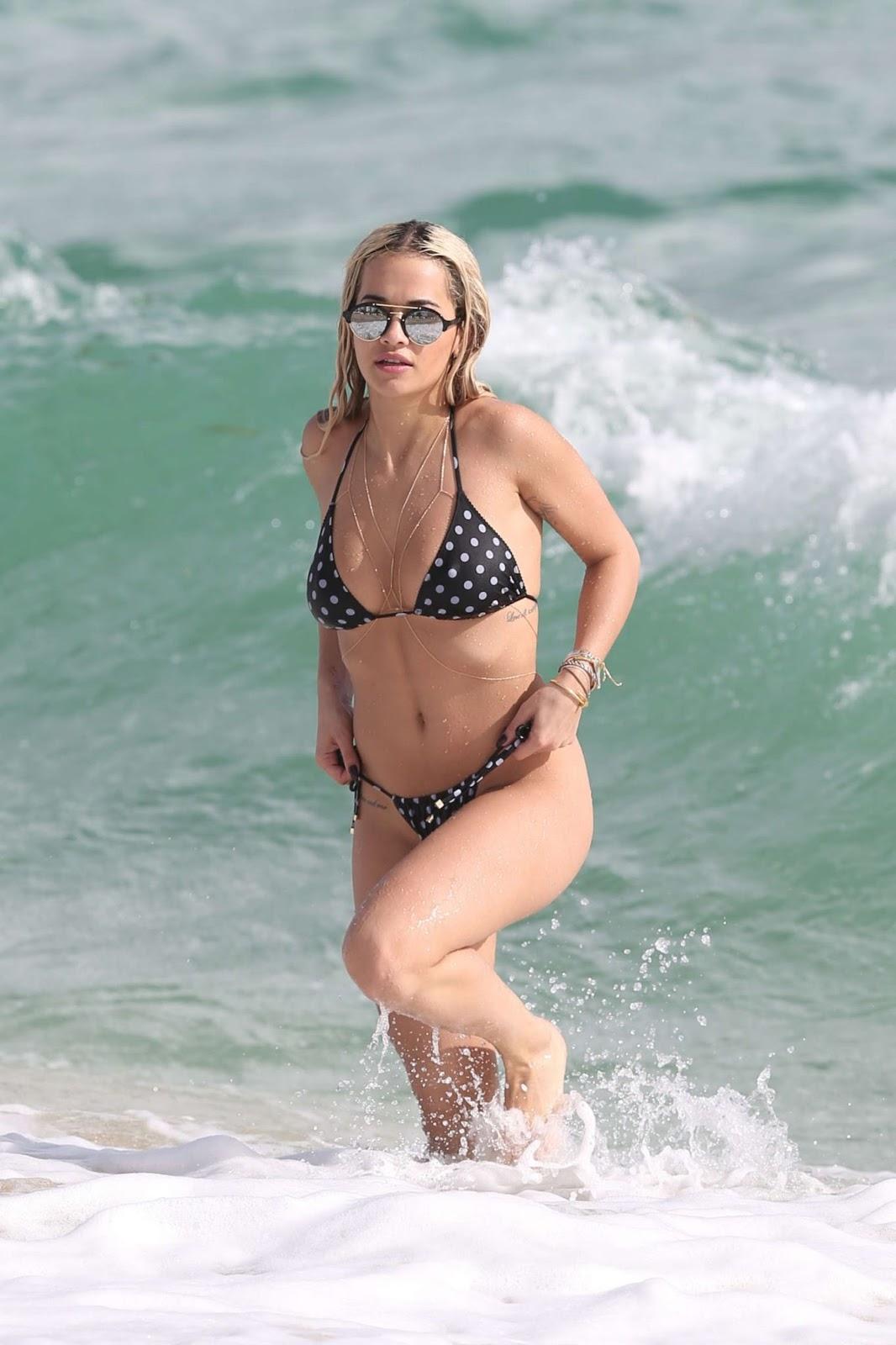 Rita Ora in Bikini in Miami - Photo Rita Ora 2016