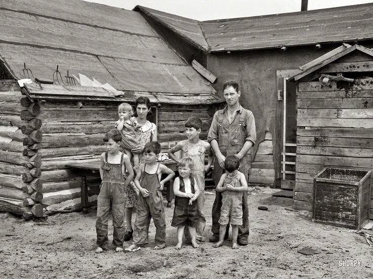 http://2.bp.blogspot.com/-iMxeS1WFb-E/VJDBbBSti8I/AAAAAAAALqM/XvpgkiA1Mm4/s1600/wisconsin-farm-family-1937.jpg