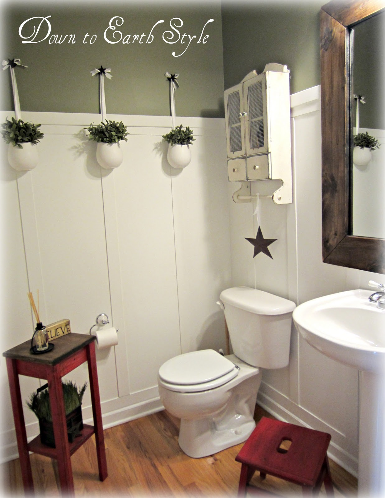 Board batten bathroom for Green bathroom paint colors