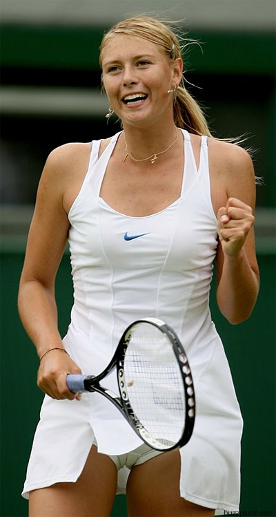 Maria Sharapova keeps her ponytail neat by adding clips and bobbypins ...