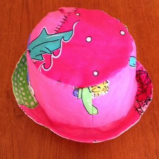 Reversible bucket hat for toddler 2T-3T