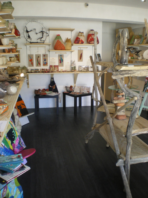 jongleurs de terre l 39 atelier des artistes hossegor. Black Bedroom Furniture Sets. Home Design Ideas