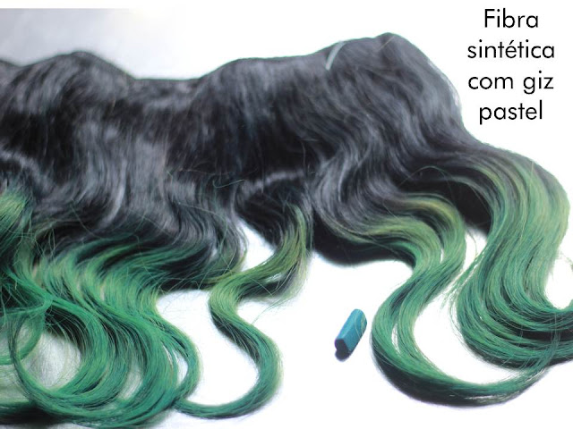 fibra sintética tingida com giz pastel