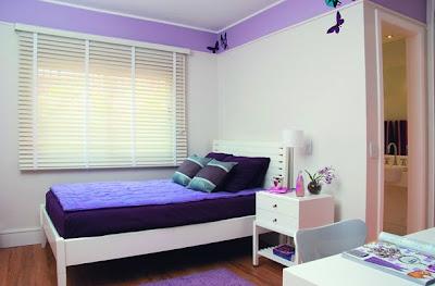 parede roxa, lilas, cama criado mudo, romantico