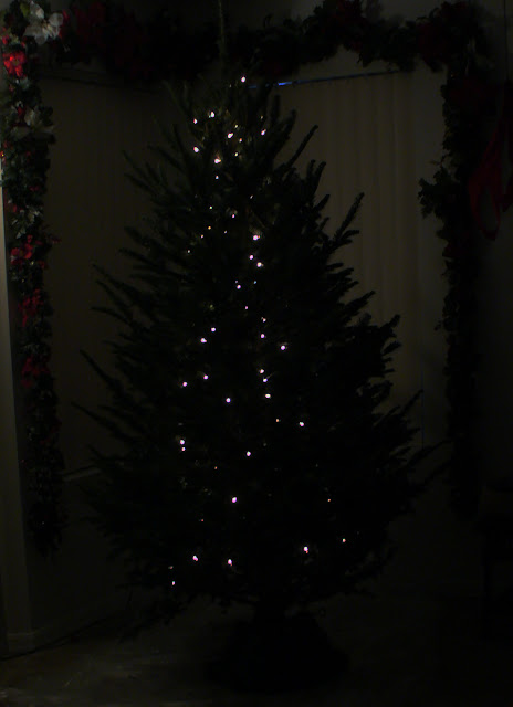 The Art Of Lighting A Christmas Tree Vertical Vs
