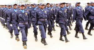 PUBLICIDADE - Polícia Nacional expulsa efectivos