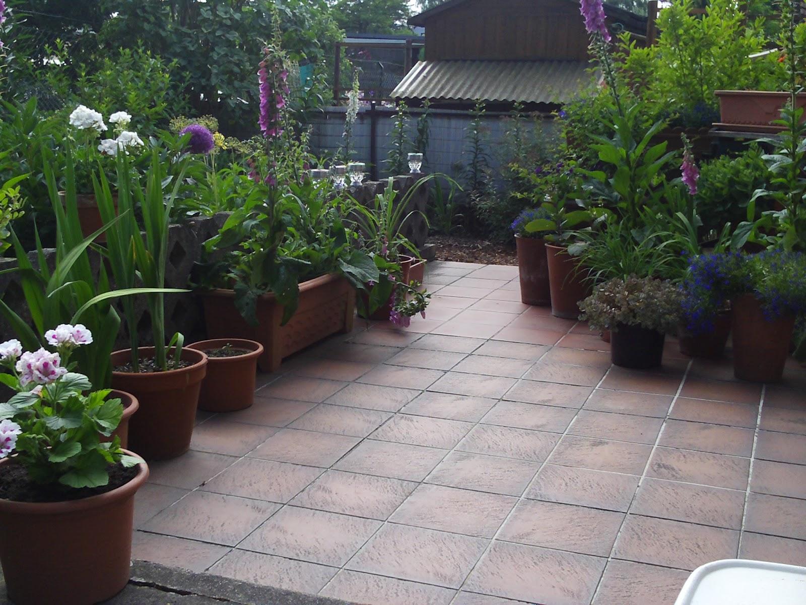terrassengestaltung mit k belpflanzen garten design ideen um ihr zuhause zu versch nern. Black Bedroom Furniture Sets. Home Design Ideas