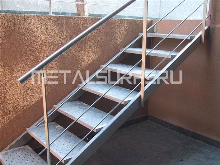 Escalera coberturas met licos arequipa for Escaleras de exterior metalicas
