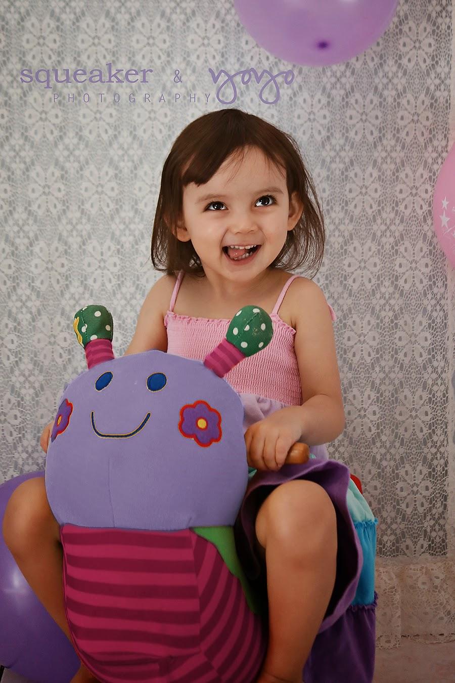 toddler birthday photos mississauga chalk board