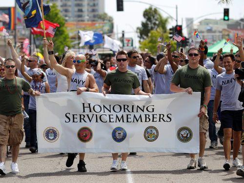 Foto da Parada LGBT em 2011 em San Diego, nos EUA (Foto: Gregory Bularada/AP)