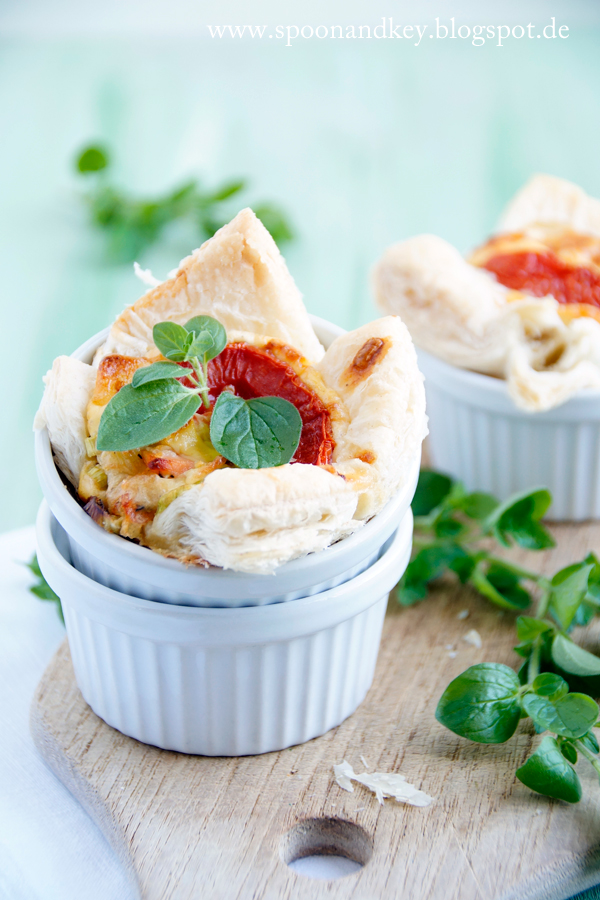 Herzhafte Muffins mit Blätterteig und Räucherlachs Rezept Spoon and Key