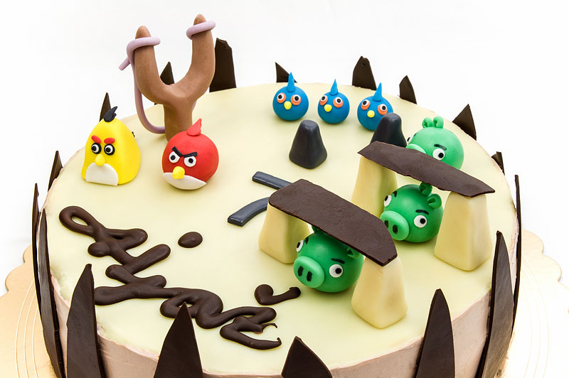 Angry birds chococlate cake fondant toppers close up
