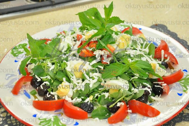Yumurtalı Semizotu Salatası Tarifi