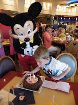 Breakfast with Goofy at Disneyland