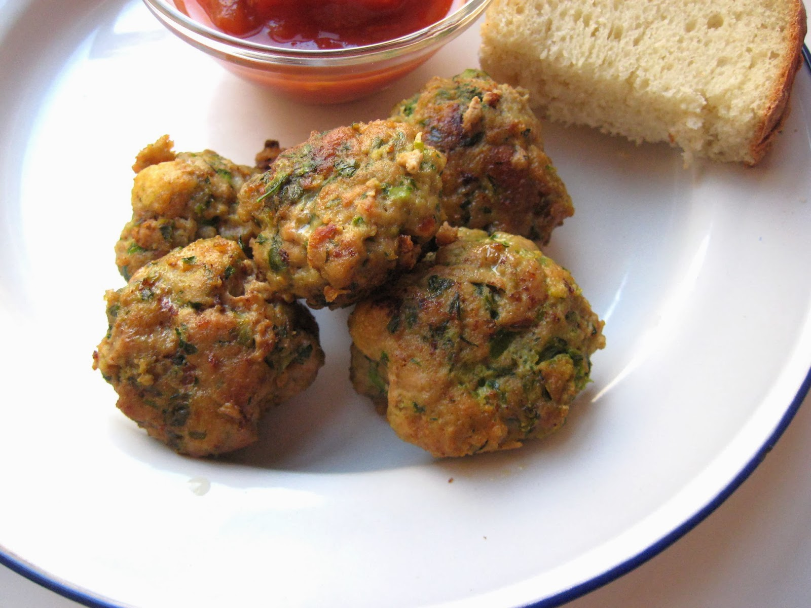she's in the kitchen: Frankie's turkey meatballs with herbs