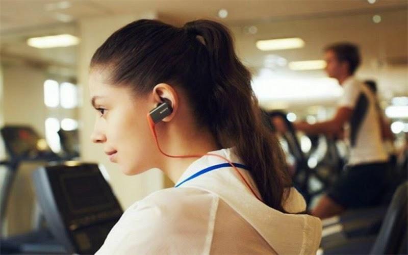 Headset Anti Air Sony untuk Pecinta Olahraga