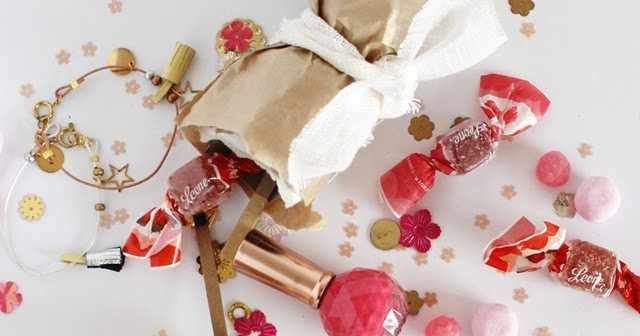 simple christmas crackers lotts and lots making the