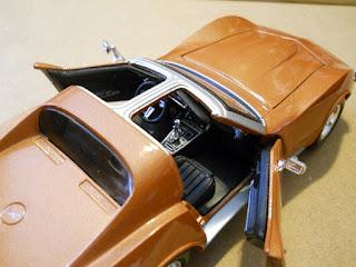 coche a escala de un chevrolet corvette