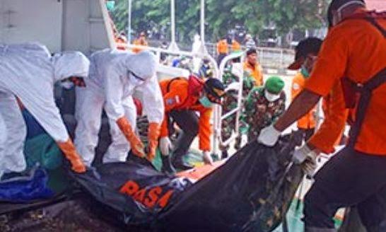 Nahas pesawat QZ8501: Mayat penumpang tunggal Malaysia ditemui