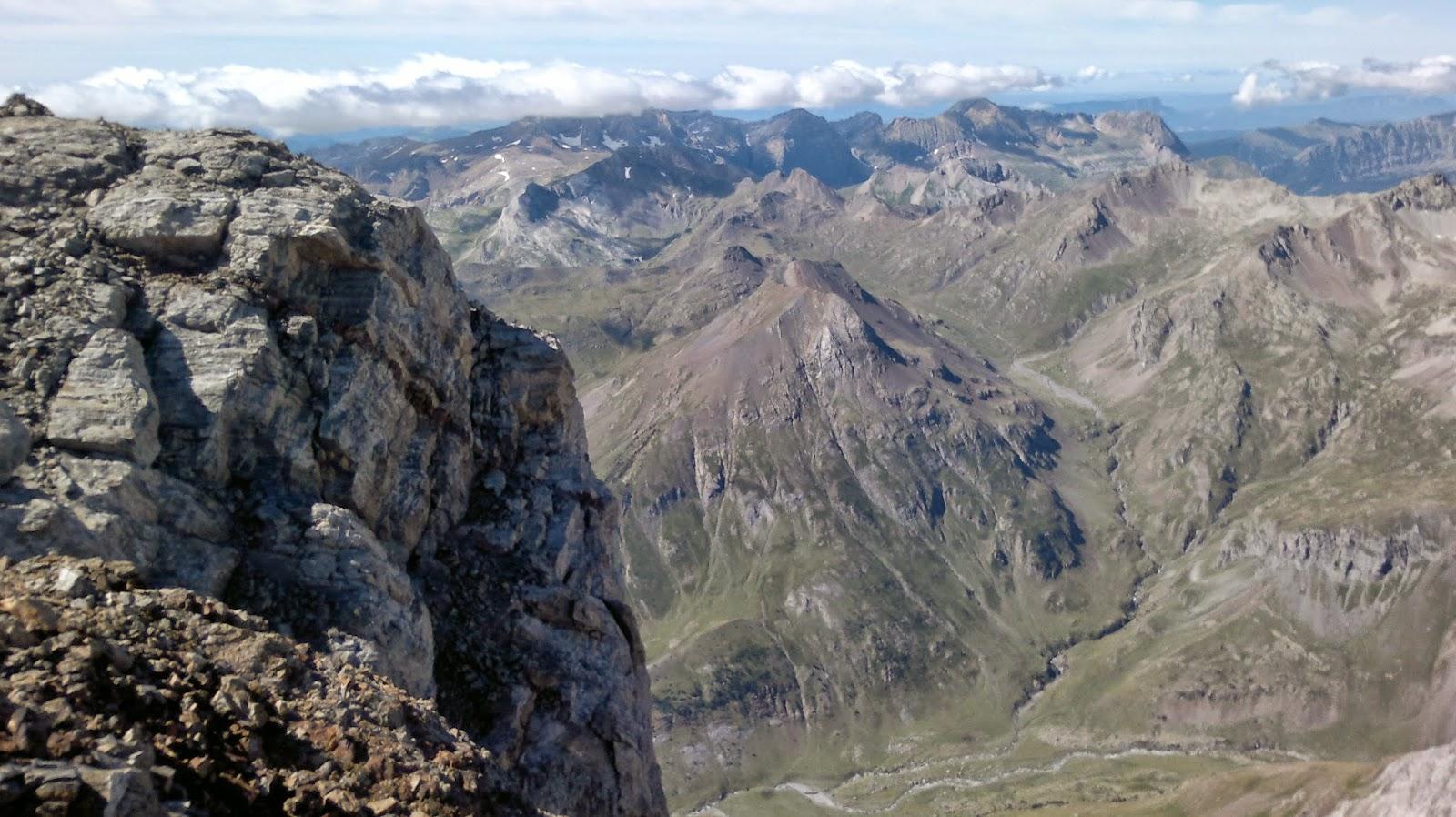 Azdeguias pico monferrat por la cresta oriental pd - El tiempo en el valles oriental ...
