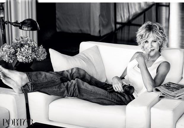 a atriz Meg Ryan posou para a revista Porter