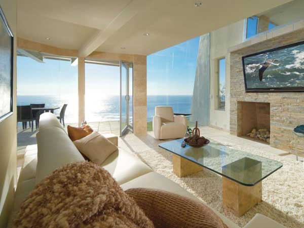 Photo of another entertainment room in an oceanfront villa