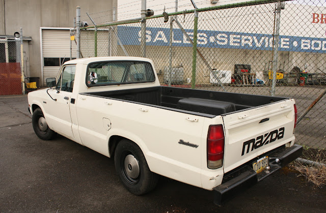 1983 Mazda Sundowner B2000 Pickup.