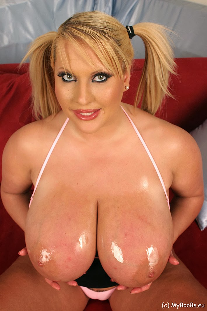 young small pussy and puffy tits
