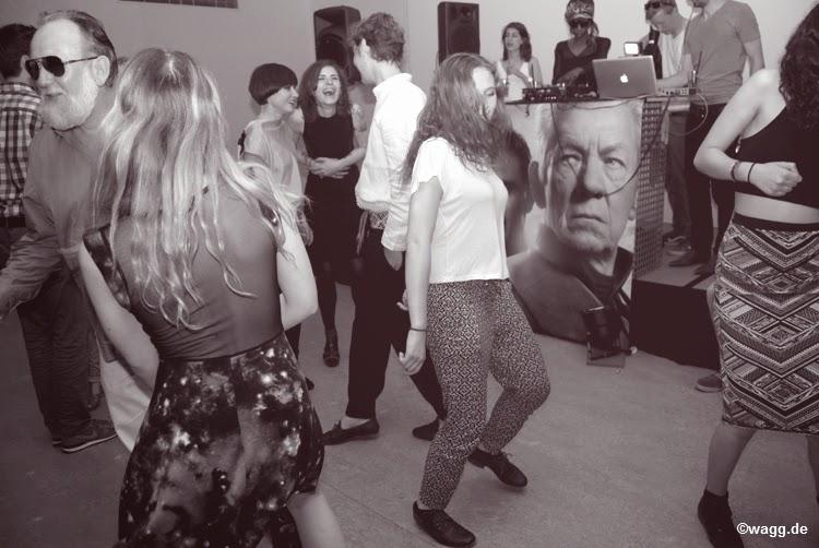 Restaurant umami, umami knaackstraße, opening umami restaurant knaackstraße, humboldtbox flimmer party, Friedrich Liechtenstein supergeil, Friedrich Liechtenstein humboldtbox, Friedrich Liechtenstein party, Friedrich Liechtenstein tanzt techno, Friedrich Liechtenstein auf flimmer party, Friedrich Liechtenstein supergeil, thommy momsen,