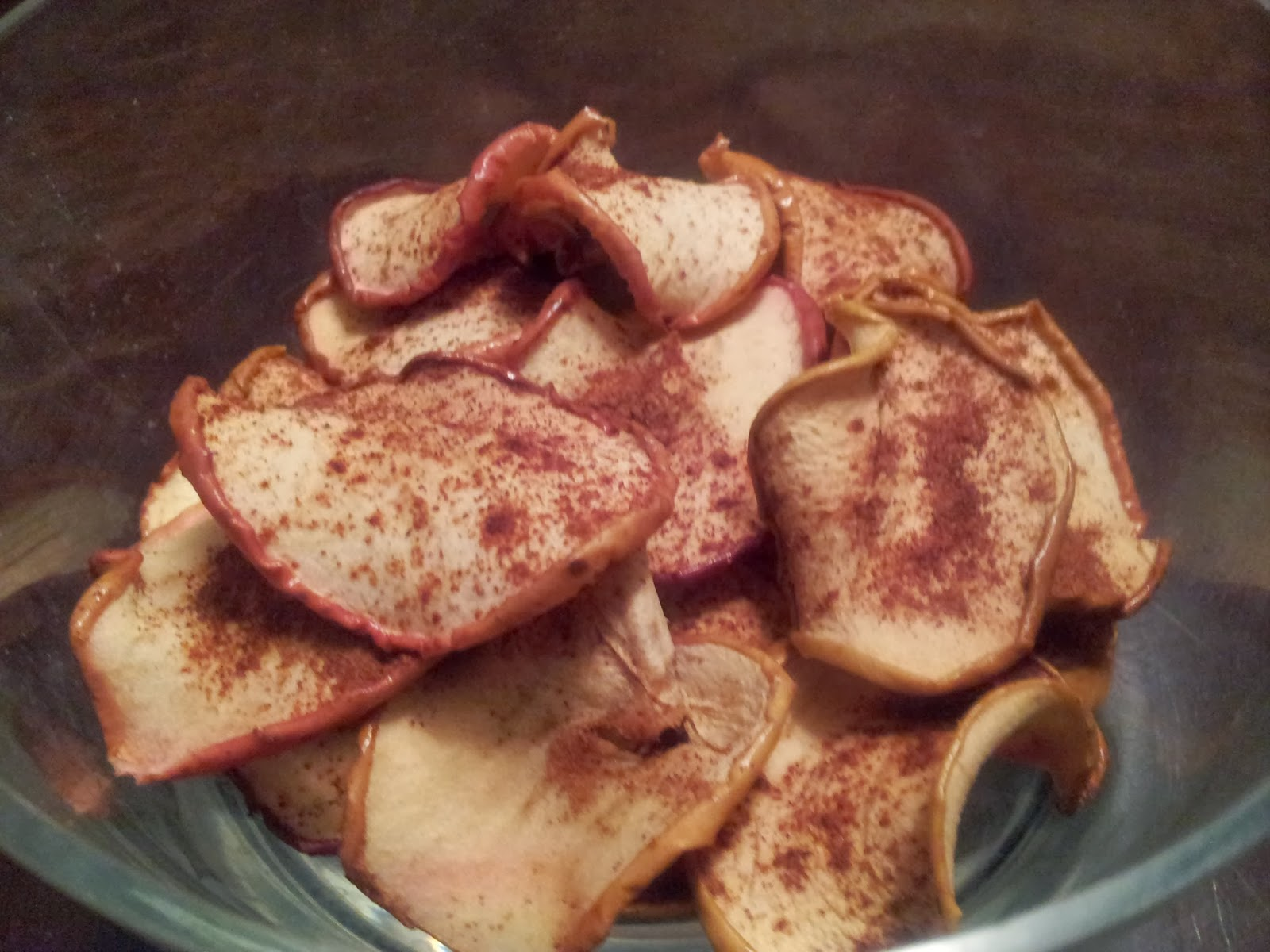 Baked Apple Chips, healthy snacks, littletownhomelove.blogspot.ca