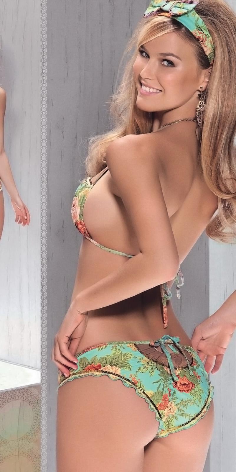 Question congratulate, Bar refaeli bikini ass